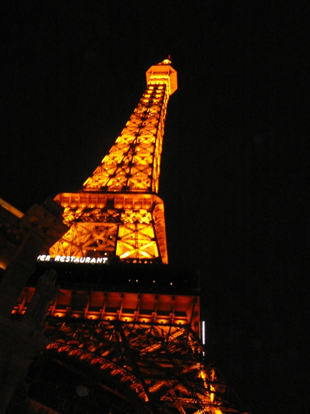 REPLICA OF EIFFEL TOWER AT THE PARIS HOTEL